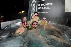 jacuzzi-ski-world-cup-hot-tub-group-picture